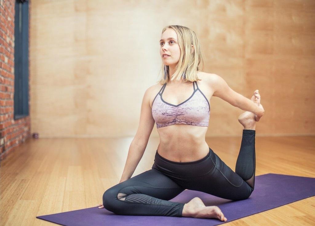 underthelight-yoga4