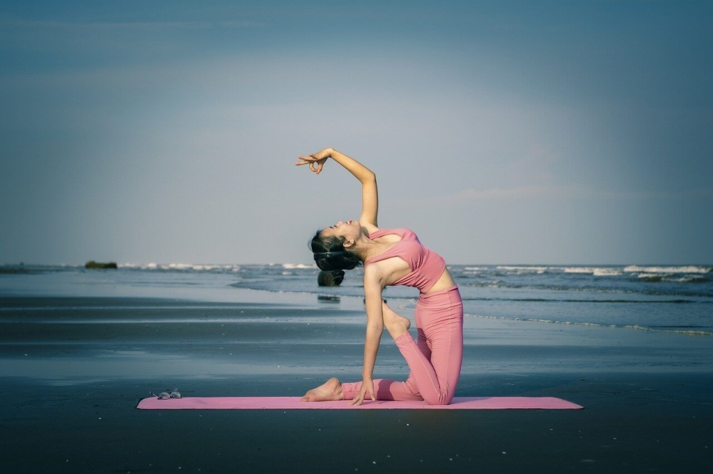 underthelight-yoga6